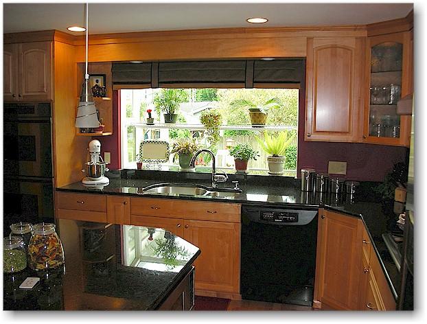 Kitchen Decor: Kitchen With Black Appliances
