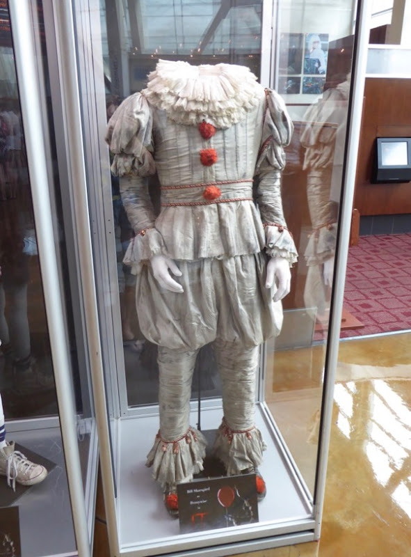Bill Skarsgård Pennywise clown IT movie costume