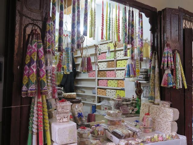 Tienda de Caramelos y velas cerca de la Zaouia Moulay Idriss II
