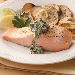 Poached Salmon & Creamed Spinach Sauce