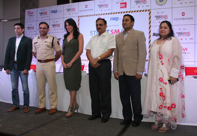 (L-R) Sunil Wuthoo, Milind Rambhau Bharamb, Pooja Bedi, Diwakar Raote, Dr. Praveen Gedam and Sushmita Dalmia at the announcement conference of TopGear's Street Smart Street Safe campaign