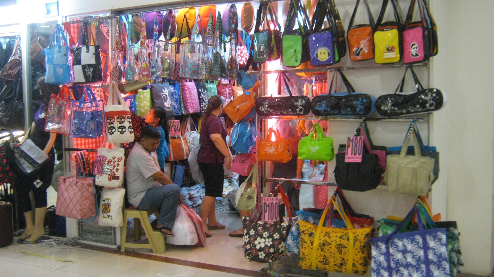 The Divisoria Malls - Defining Shopping in the Philippines