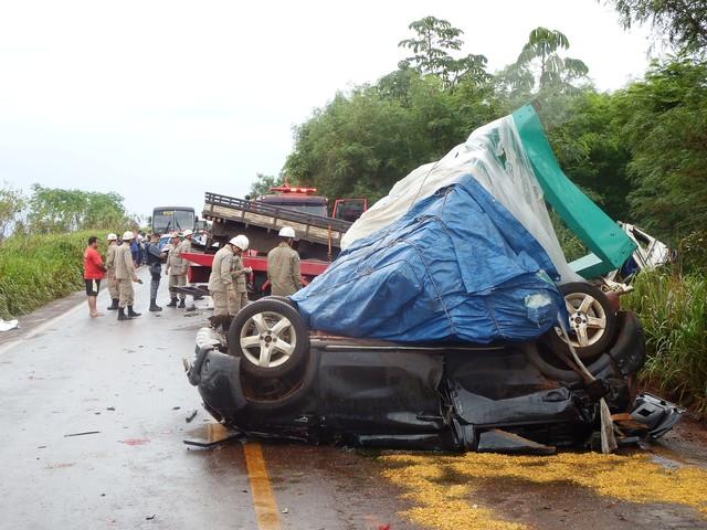 Acidente deixa vítimas fatais e feridos próximo a Tangará da Serra - VEJA FOTOS