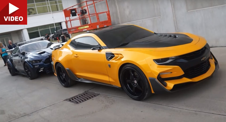 transformers 5 39 s bumblebee camaro barricade mustang and optimus prime filmed up close. Black Bedroom Furniture Sets. Home Design Ideas