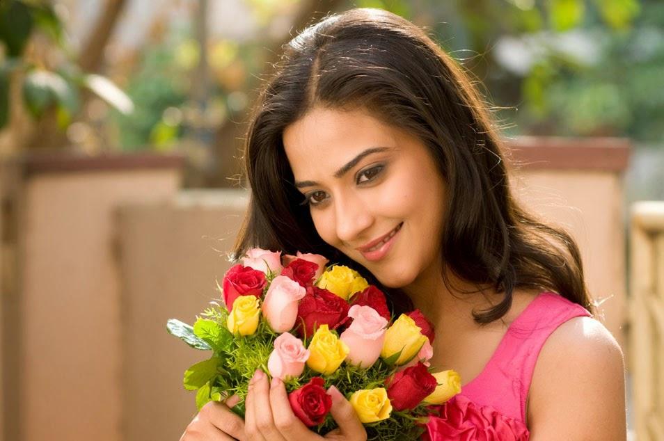 Aditi Sharma Bollywood Actress Photo Gallery from Lucknow, Uttar ...
