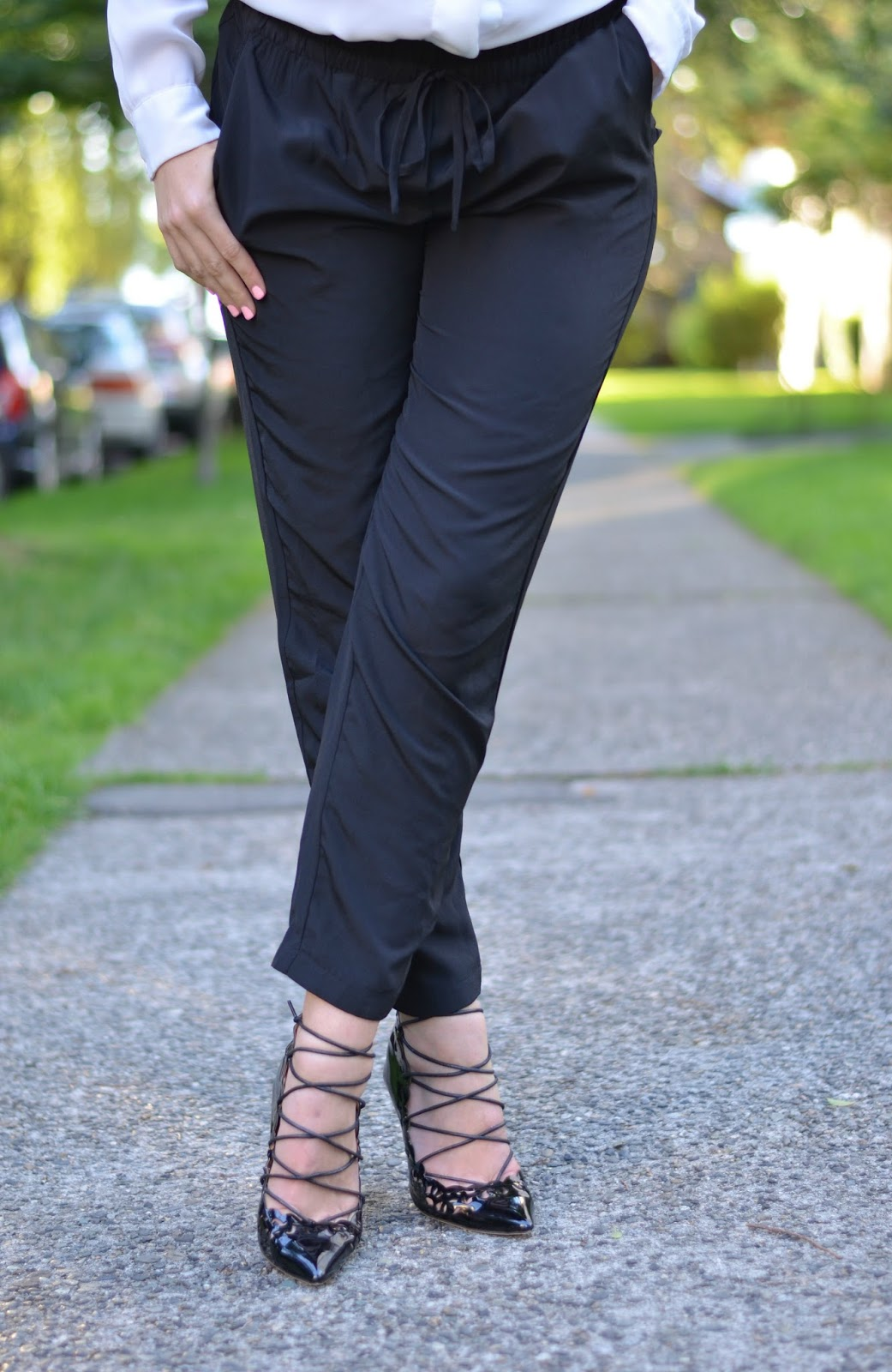 how to wear jogger pants for work