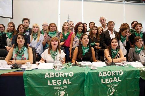 Inicia en Argentina debate sobre el aborto