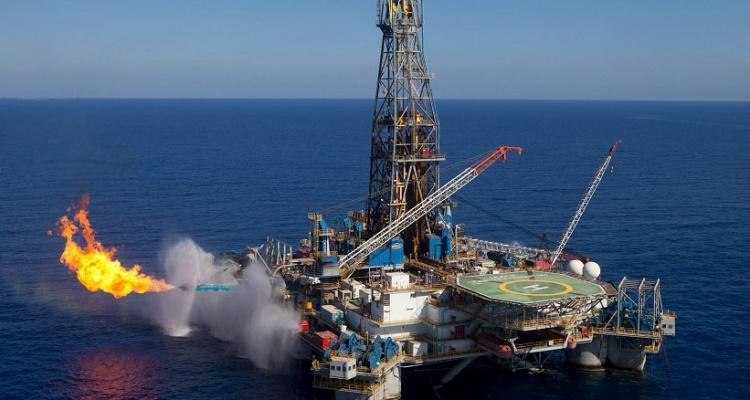 مصر «عائمة» على بحيرة من الغاز الطبيعي والبترول