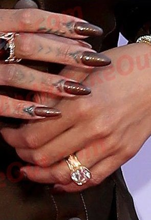 GOSSIP: Drake & Rihanna Are Engaged And He Proposed With A $1M Ring....