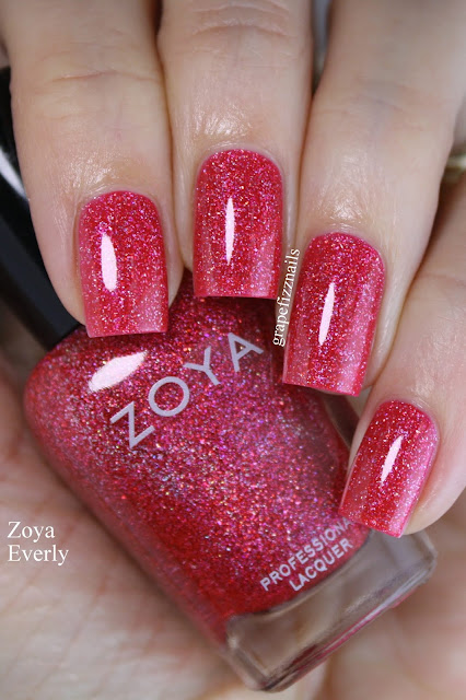 Zoya Everly, Winter Holos