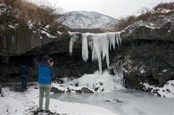 仙酔峡 凍り付く滝 芸術品
