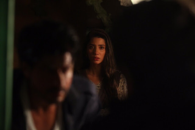 Mahira Khan celebrates Raees success by sharing with memorable pics
