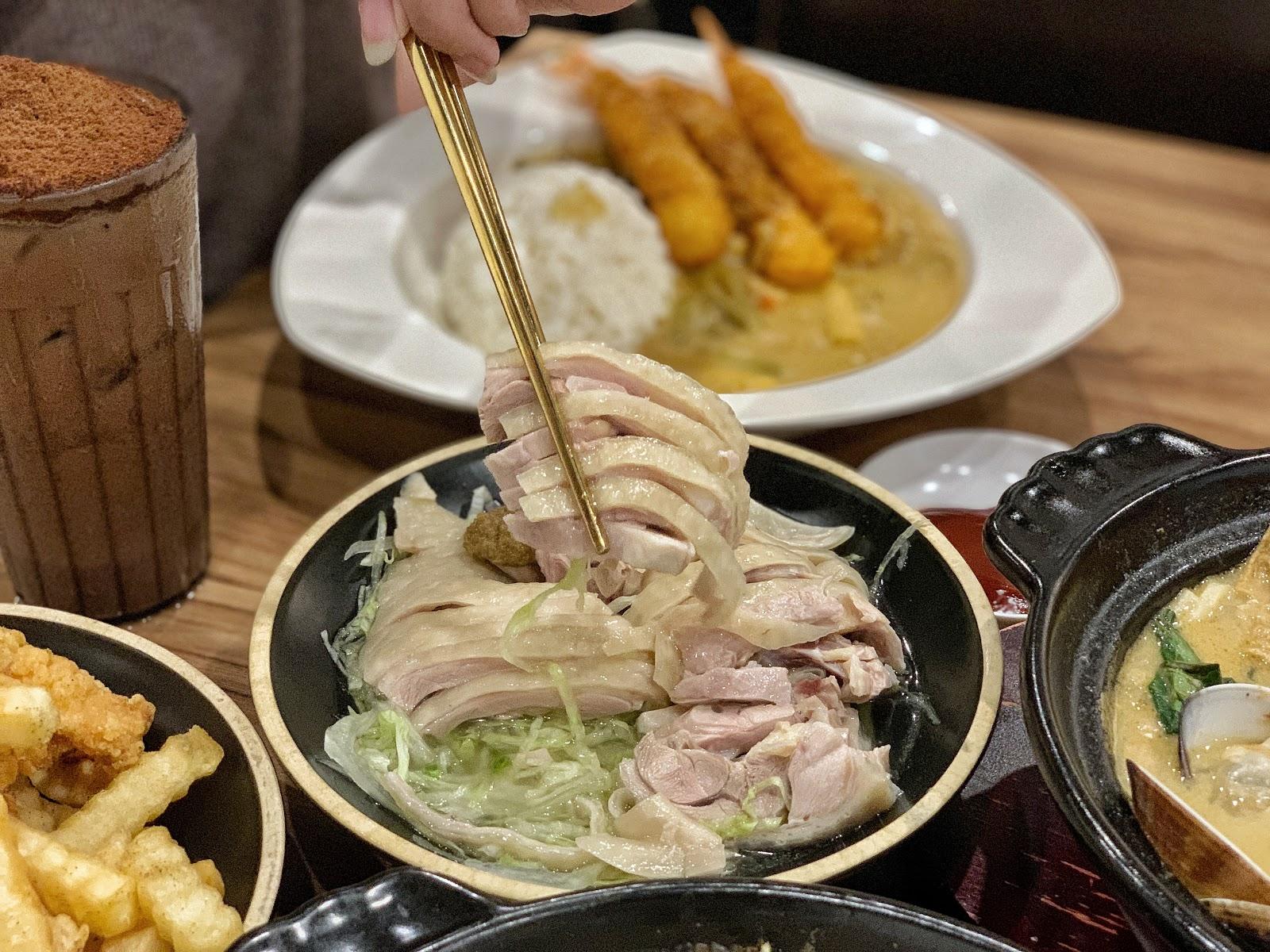 台南東區美食【寶貝老闆新加坡叻沙麵 東寧店】必點叻沙水晶雞