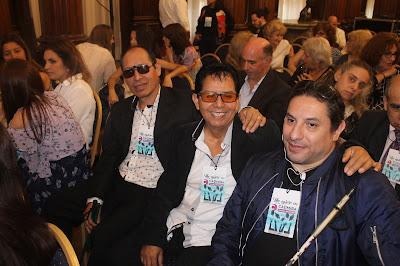 En la imagen se puede observar sentados a los alumnos de la escuela Gatti- De izquierda a derecha se encuentran, Richard Villanueva, Miguel Berrospi, Fernando Corral.