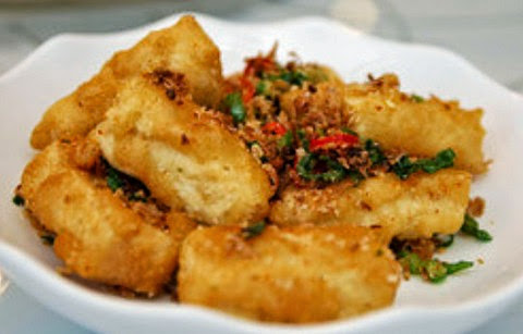 Crisp Fried Tofu with Pepper and Roasted Nuts