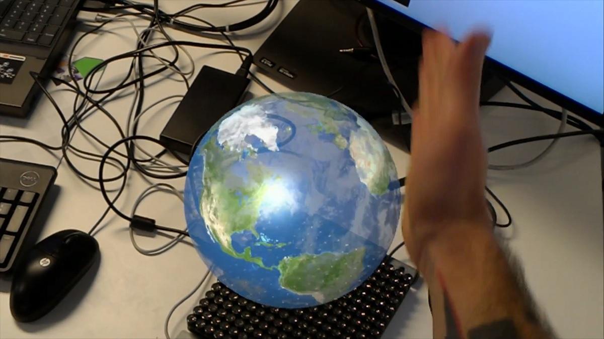 Gli ologrammi diventano tangibili con Microsoft HoloLens e UltraHaptics | Video HTNovo