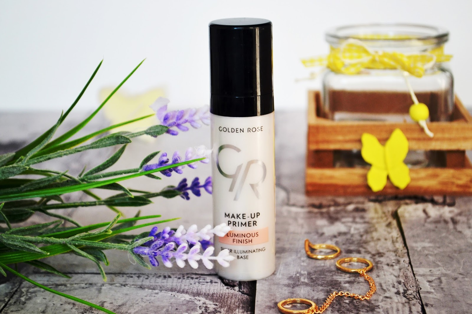 golden rose baza rozświetlajaca, jak rozświetlić skórę, makijaż na lato
