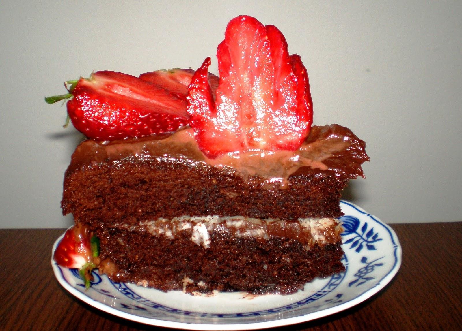 Tort cu ciocolată și fructe