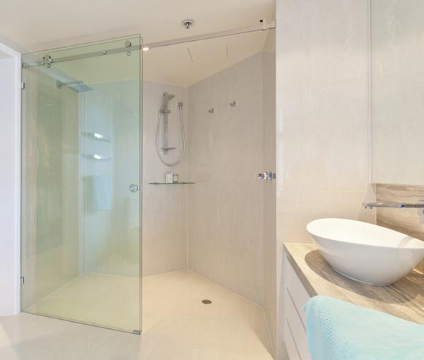 Vách tắm kính sử dụng lắp đặt phòng xông hơi ướt