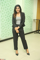 Actress Eesha Looks gorgeous in Blazer and T Shirt at Ami Tumi success meet ~  Exclusive 012.JPG