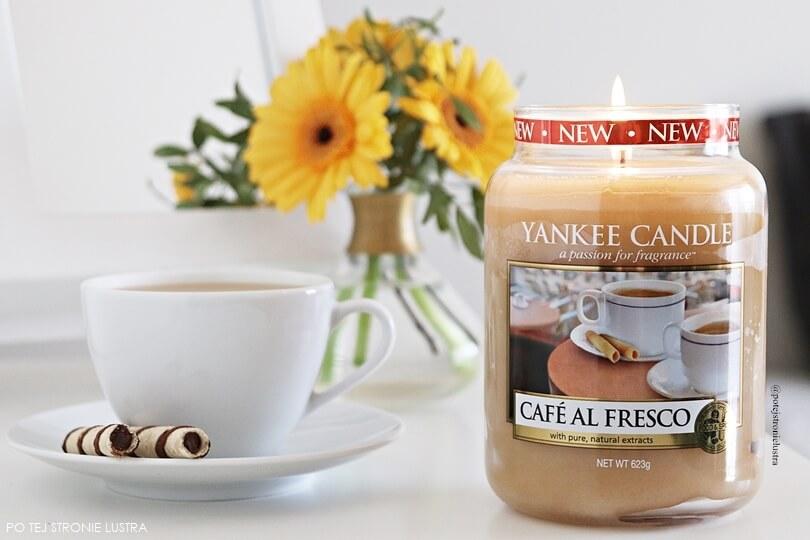 świeca yankee candle cafe al fresco o zapachu kawy