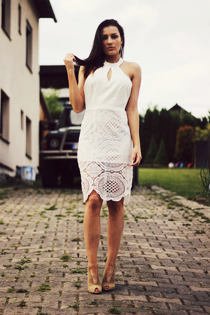 white halter neck dress