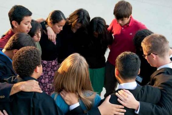 Contoh Doa Syafaat Kristen ibadah Keluarga atau Rumah Tangga
