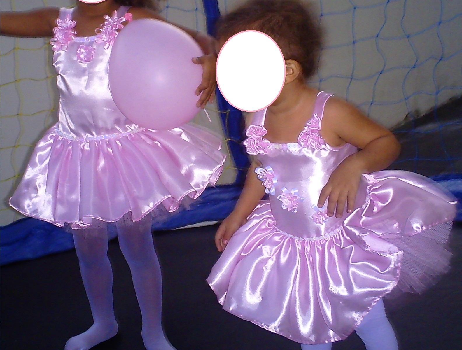 cabf001737 Vestidos temáticos para crianças  Princesas Barbie castelo de diamante
