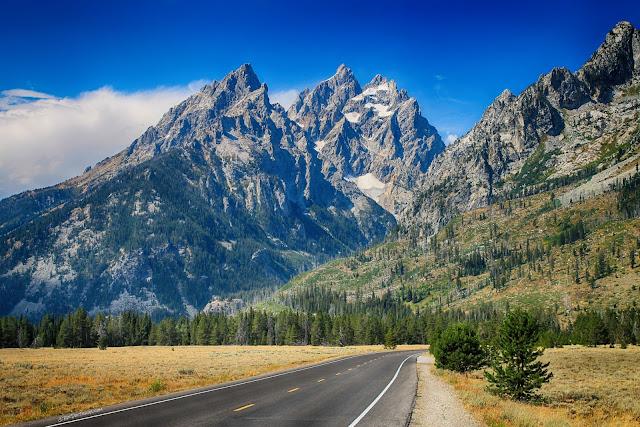 Grand Teton National Park Wyoming geology travel field trip copyright RocDocTravel.com
