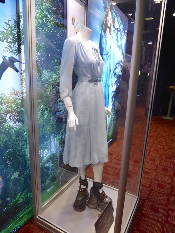 Emma costume Miss Peregrines Home for Peculiar Children