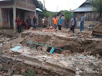 Longsor Tanah di Bibir Sungai Samili, Sejumlah Bangunan Rusak