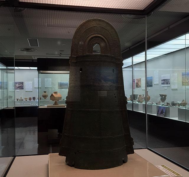 弥生時代後期(1、2世紀の)三遠式前原銅鐸(2016年6月12日撮影)