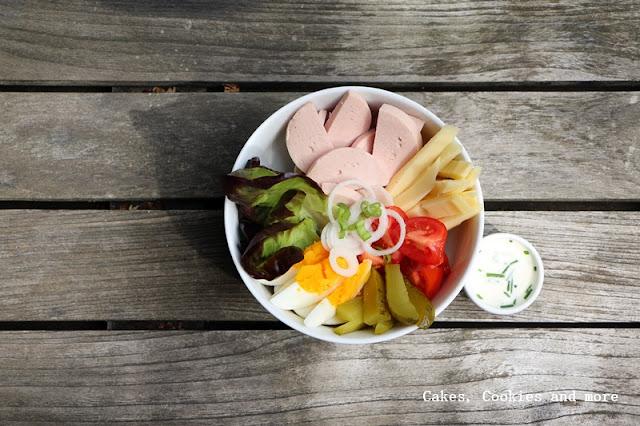 Wurst Käse Salat Bowl