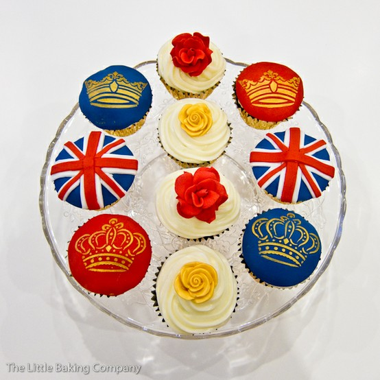 British Royal Wedding Cakes: Red, Blue, And White Wedding Theme!