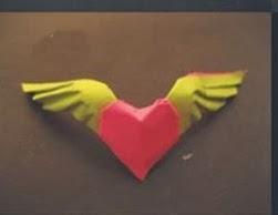Kağıttan Kanatlı Kalp Yapımı