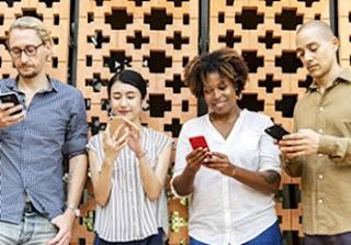 मोबाइल की है लत, तो ऐसे करें कंट्रोल