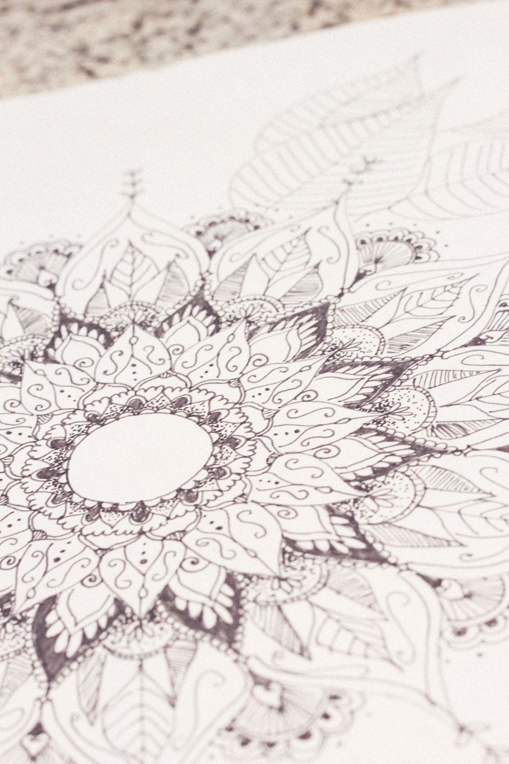 The easy way to draw a mandala | www.hannahemilylane.com