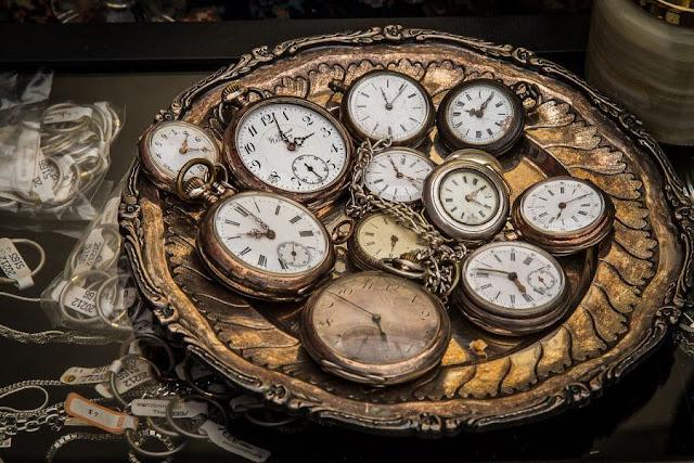 czym jest czas - stare zegarki