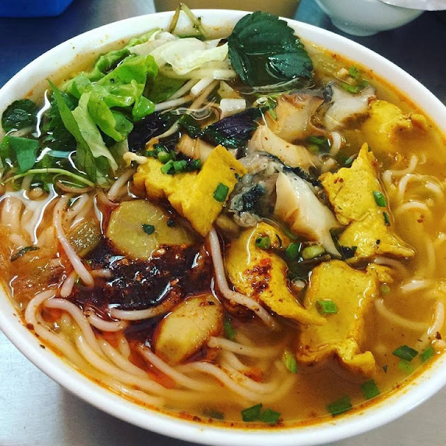 Snail vermicelli soup in winter Hanoi