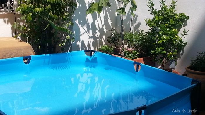 Comprando una piscina desmontable para el jard n guia de for Jardines con piscinas desmontables