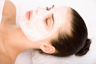 MANFAAT 'AJAIB' SLEEPING MASK Menjaga Kekenyalan dan Kesegaran Kulit dengan Overnight Face Mask