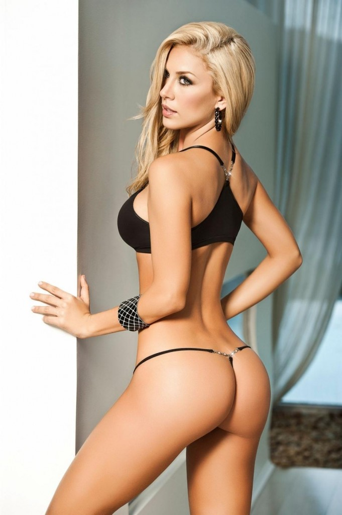 Lina Posada sexual images