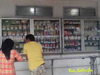 Mari Belanja di Koperasi Pabrik Khong Guan