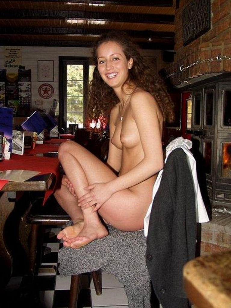 Girlfriend nude in public