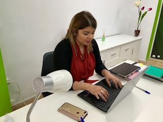 Antonela en su empresa, en Cáceres