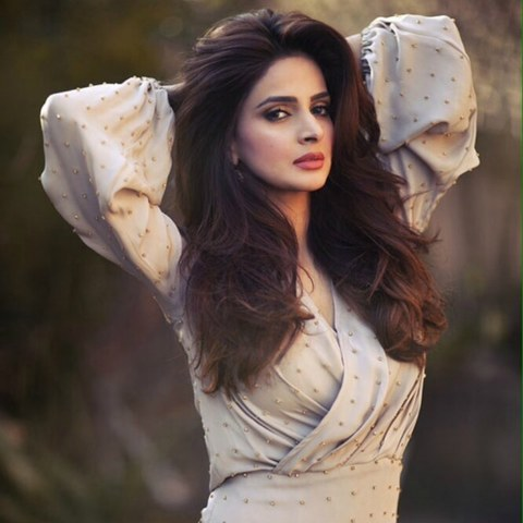 Pakistani Acters Saba Qamar