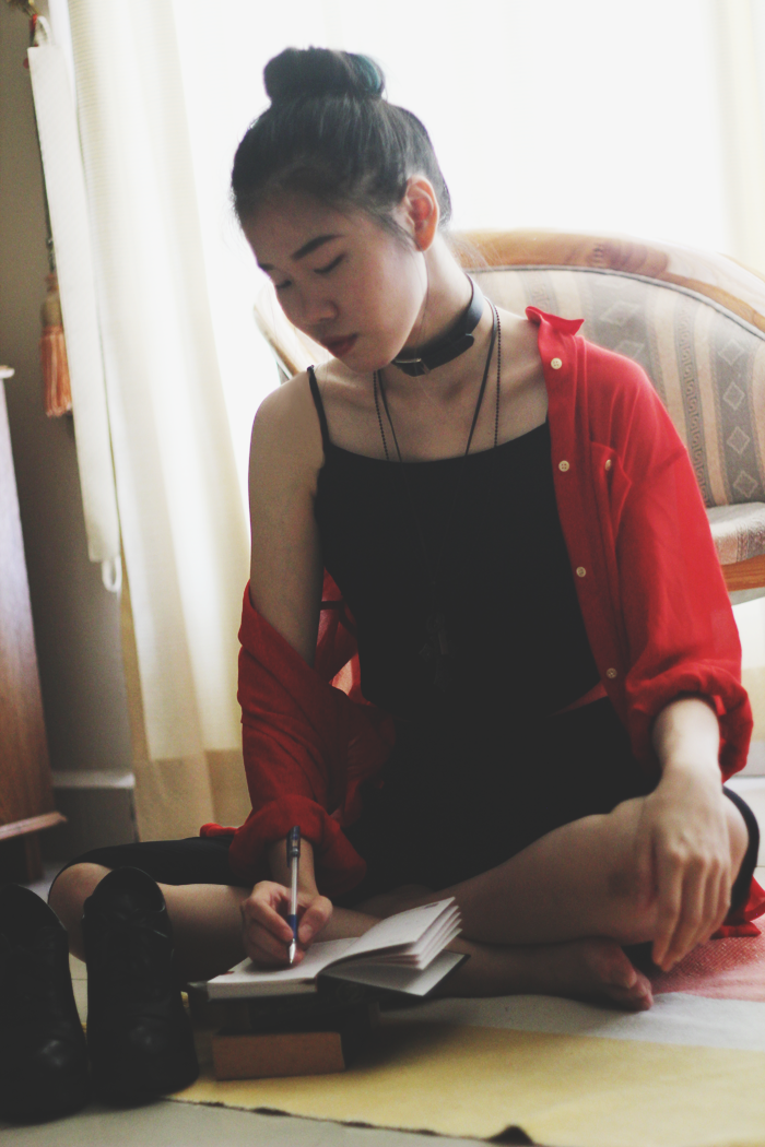 Brunei Blogger May Cho, scarlet, grunge choker black red personal style fashion