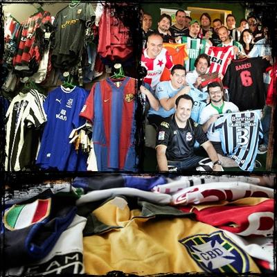 Colecionar camisas de futebol é hobby popular entre brasileiros ... afb4ce56f4507