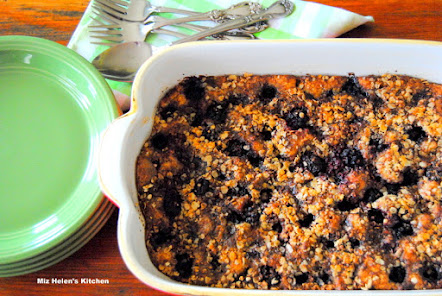 Irish Blackberry Crumble Cake