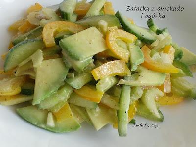 Zdrowa sałatka z awokado